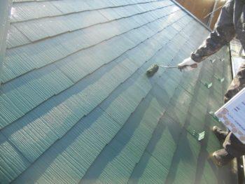 屋根の上塗りが終わりました。