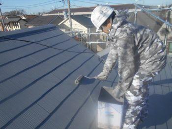 屋根の上塗りを行いました行いました。