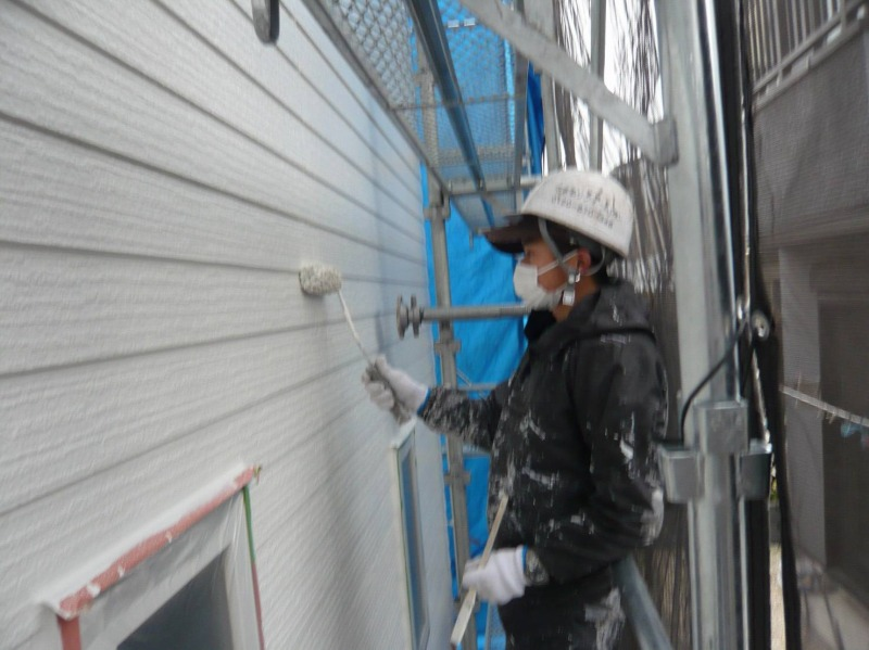 こちらは外壁の3回目の塗装、上塗りです。