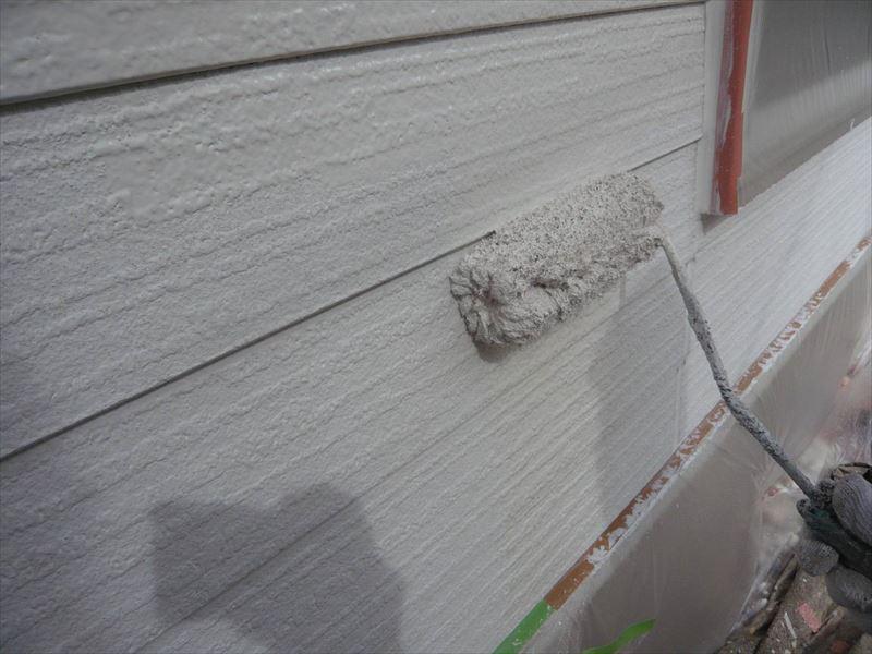 下塗りが乾いたところから中塗りをスタートします。