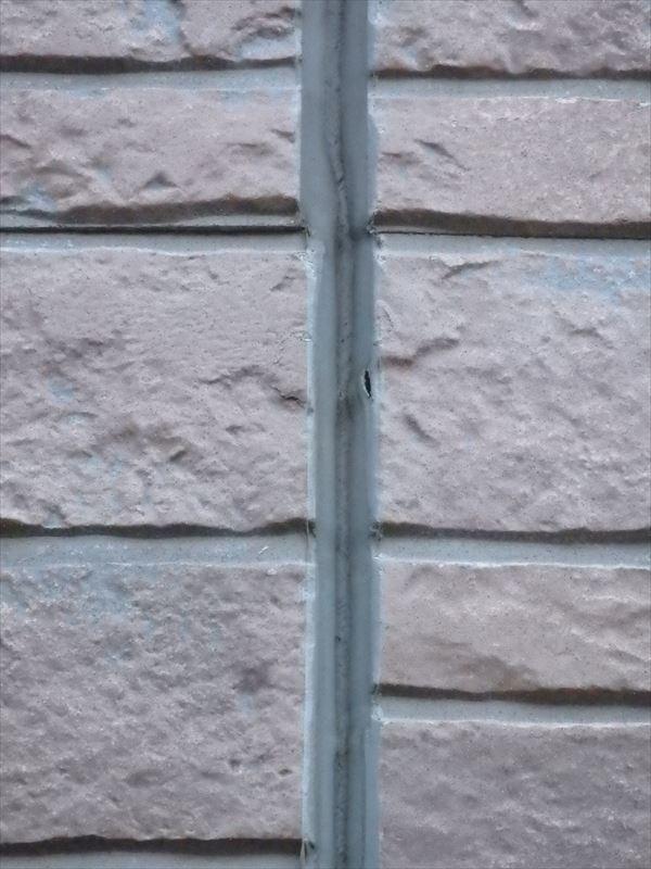 サイディング外壁にはシールの破損がありました。
