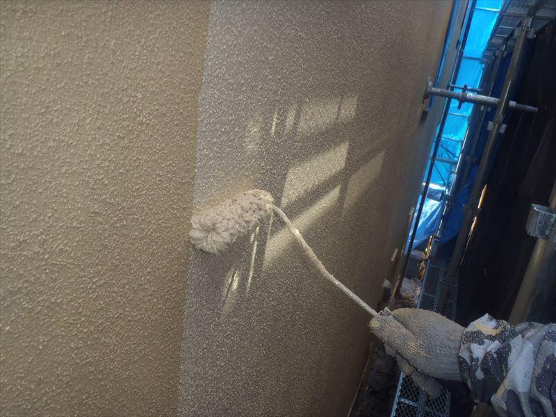 塗装を塗り重ねることで、よりきれいに、より強い外壁になります。