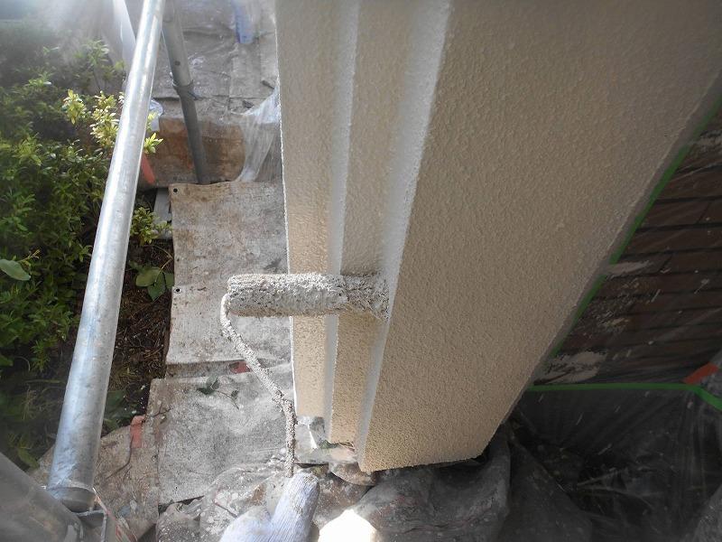 玄関の柱もきれいに塗装できました。