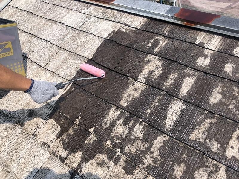屋根の下塗りがスタートしました。
