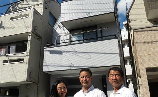 世田谷区津波古様の外壁塗装工事の完成記念写真