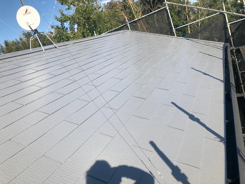 屋根の2回目ができあがり、上塗り完成です。