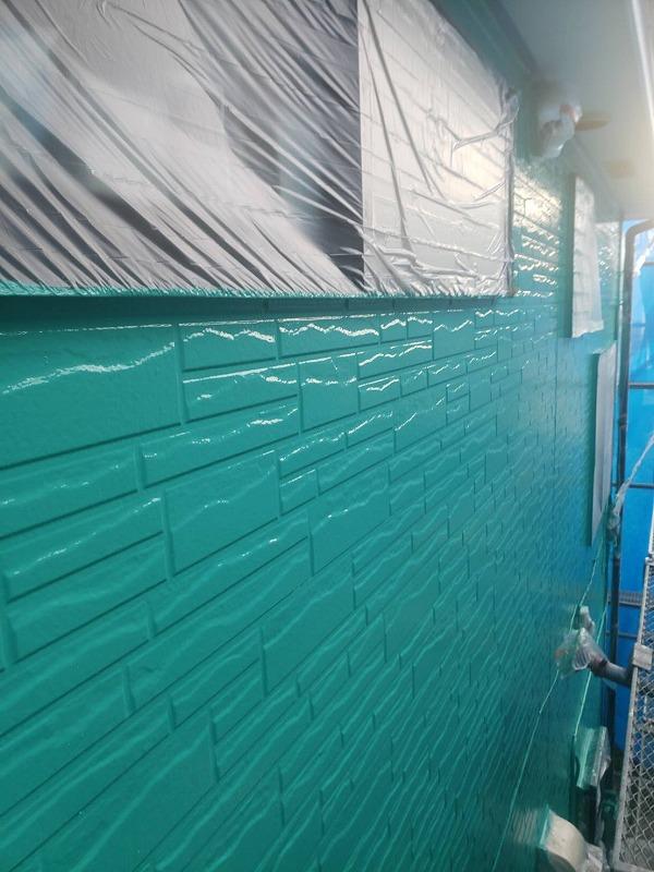 サイディング壁の塗装が完了しました。