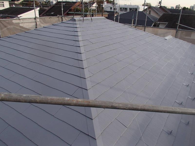 屋根の中塗りが完了です。