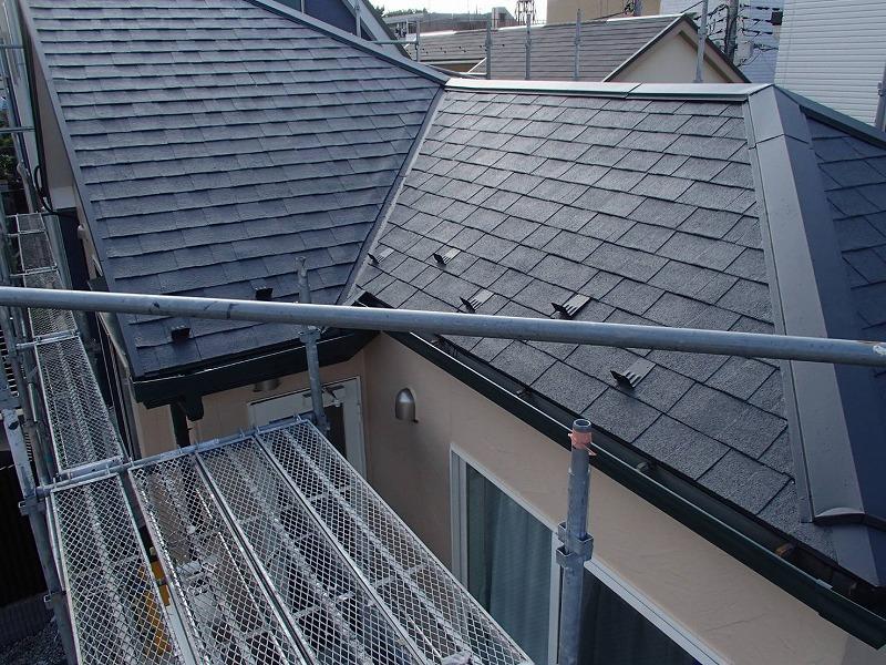 屋根の上塗りが終わって完成しました。