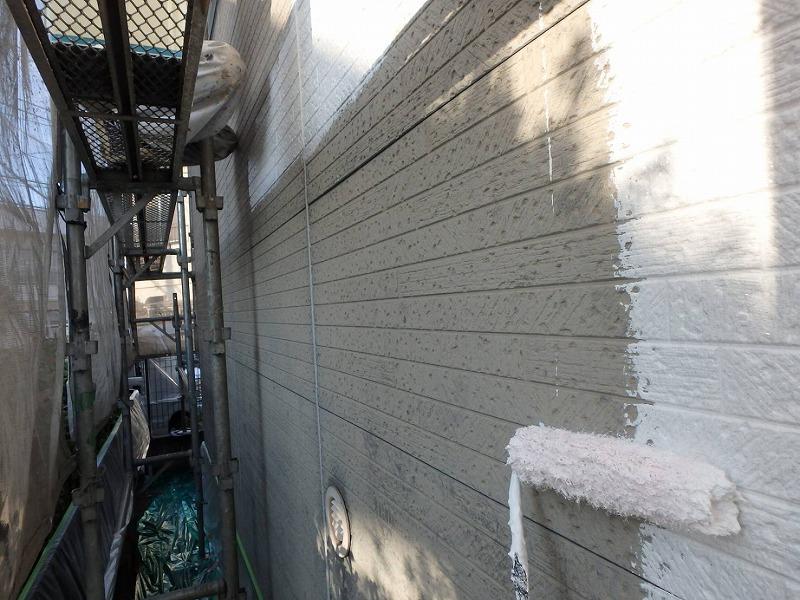 こちらは外壁のサイディング部分の下塗りです。
