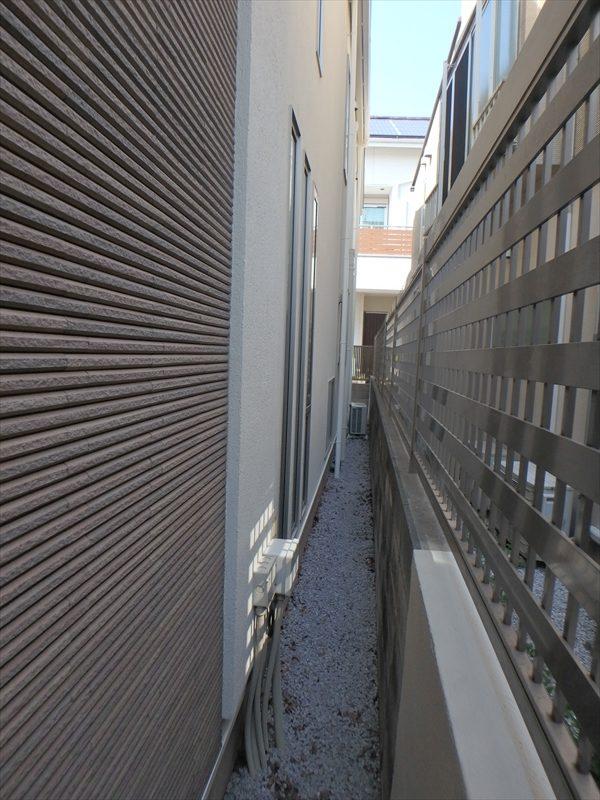 塀部分は要所に合わせて塗装しています。