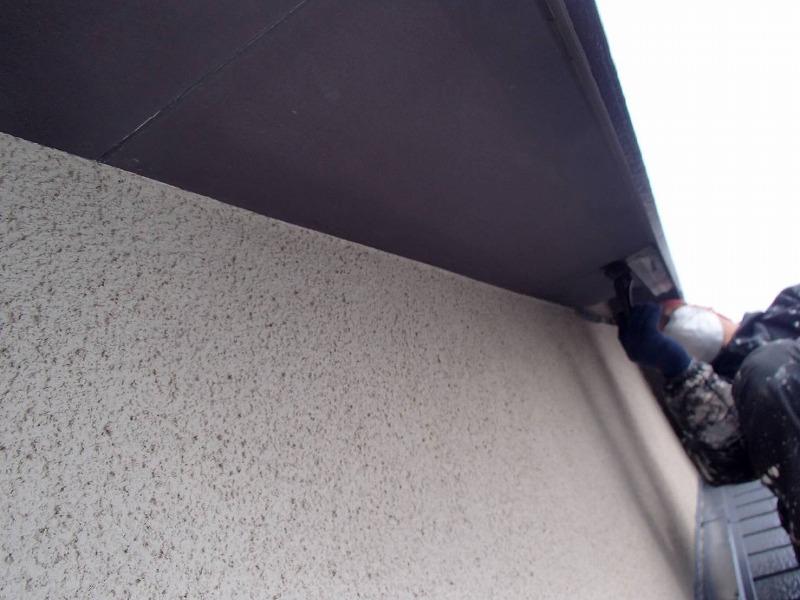 外壁塗装 世田谷区Y様邸 軒裏塗装中 2020033013987