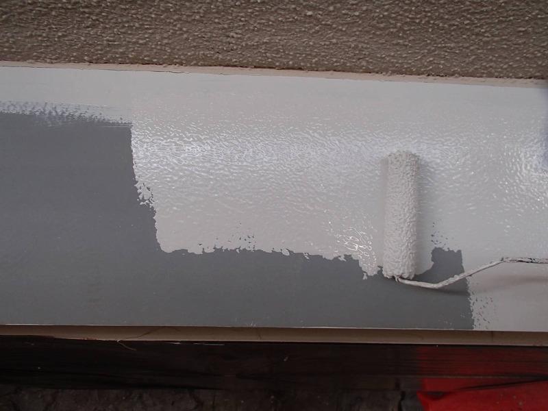 トタンヒサシも塗装しました。