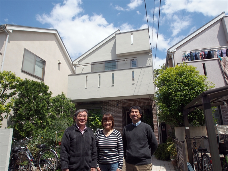 杉並区I様邸の外壁塗装工事の完成記念写真P4240719