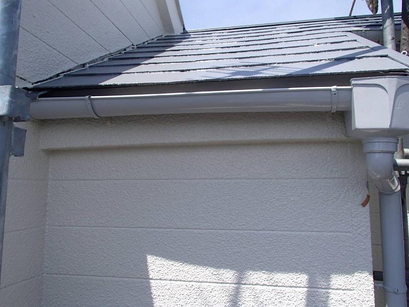 屋根の塗装が出来上がりました。