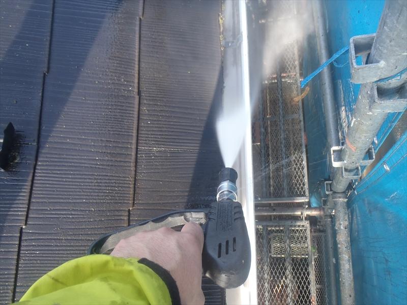 雨樋もしっかりと洗浄することで、つまり防止になります。