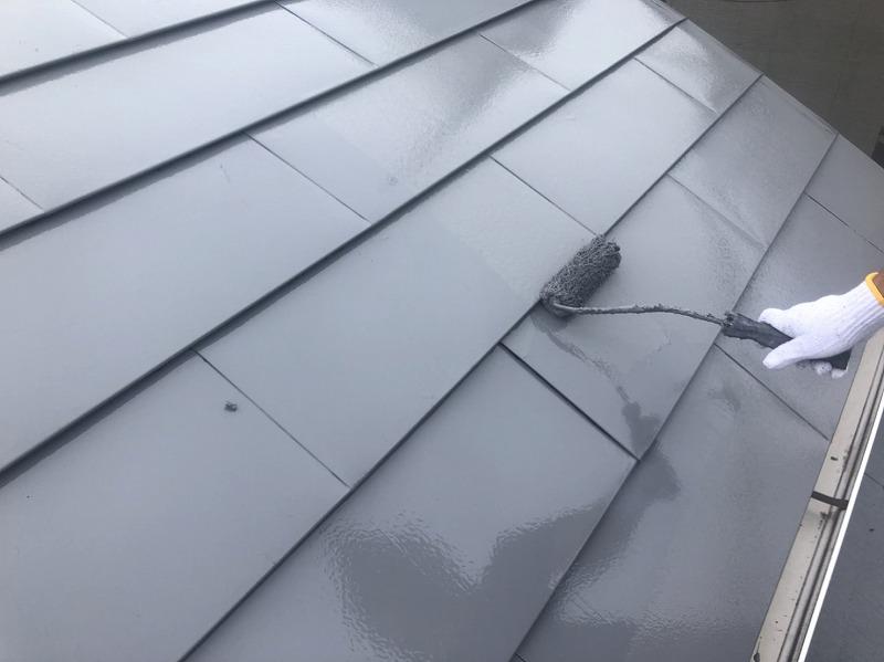 外壁塗装 世田谷区T様邸 トタン屋根上塗り中20200916S__15278109