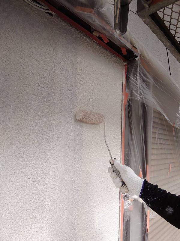 外壁塗装 世田谷区T様邸 外壁中塗り中 202010223840