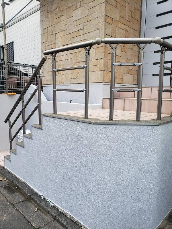 外塀の塗装が完了しました(エスケー化研 アートフレッシュ AC-1120)。