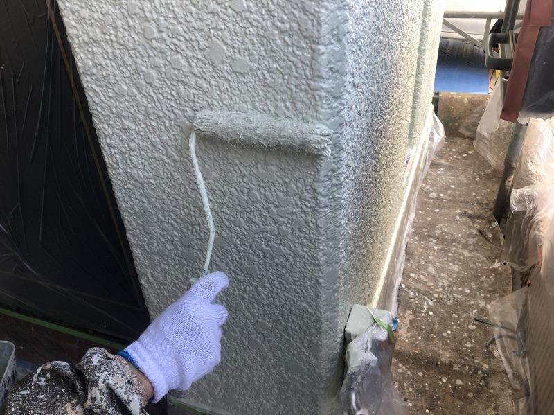乾いた所から上塗りします。(日本ペイント パーフェクトトップ K35-80B)