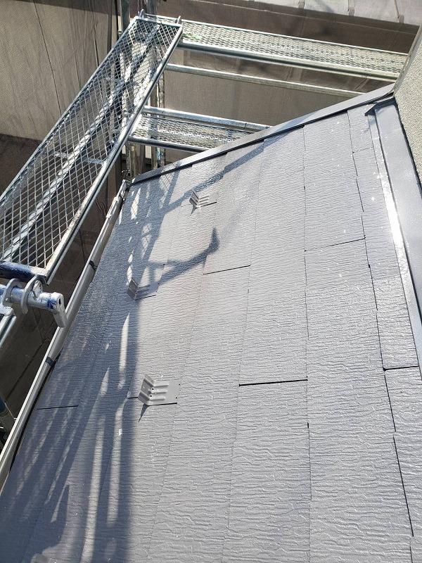 下屋根もきれいに仕上がりました。(エスケー化研 クールタイト CLR-106)