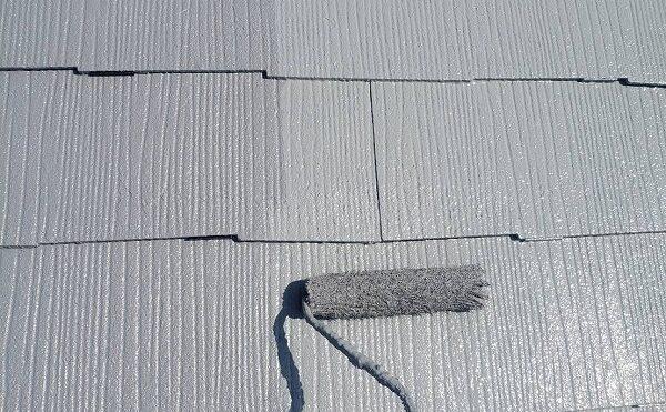 外壁塗装 世田谷区Y様邸 大屋根上塗り中2021040829923