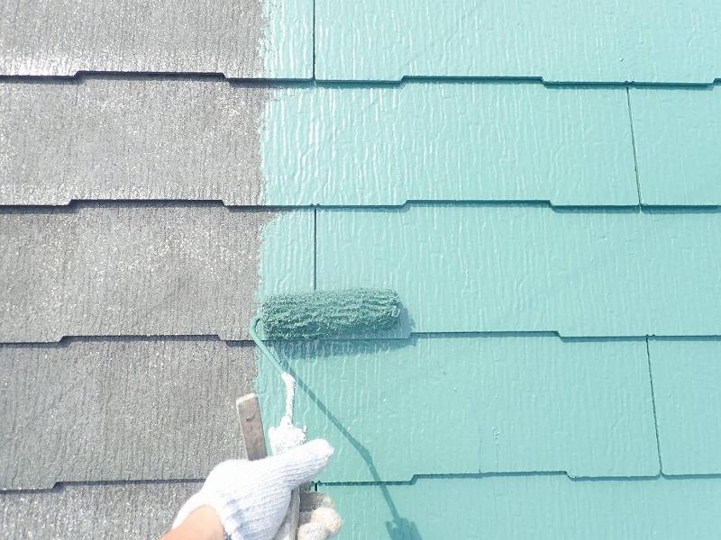 中塗りの開始です。(エスケー化研 クールタイトSi CLR-142 フォレストグリーン)