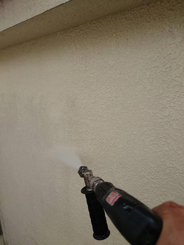 壁の汚れもどんどん落ちていきます。