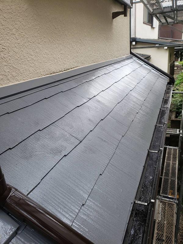 屋根の塗装が完了しました。(エスケー化研 クールタイトSi CLR-106 グレー)
