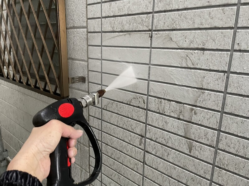 外壁塗装 世田谷区H様邸 外壁洗浄中20211013S__5226516